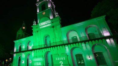 Photo of El Cabildo y el Ministerio de Salud iluminados de verde a favor del aborto legal.