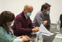 Photo of Caleta Olivia, El Municipio, clubes y uniones vecinales firman convenio colaborativo.
