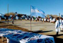 Photo of Jaramillo – Fitz Roy, Este 20 de Junio Día de la Bandera ambas localidades amanecieron con el corazón latiendo en celeste y blanco.