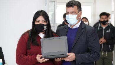 """Photo of Gustavo «Kaky» González: """"Queremos llevar adelante la educación que cada uno de ustedes se merecen""""."""